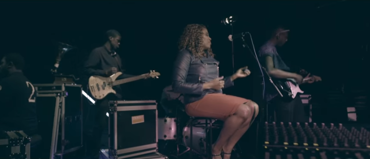 Gifty Ovire singing - The Christian Mail