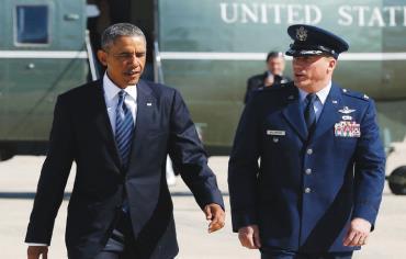 Obama departing airforce base